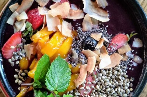 bowl, fruits, oats, superfoods, nutrition, regional, organic, food, whole food, clean eating, nutritionist, minerals, vitamins, fatty acids, plant-based, antioxidants