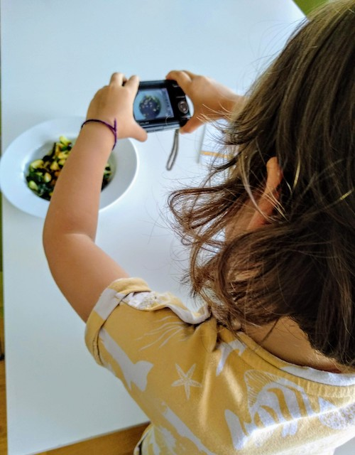 Children, nutrition, healthily, eating habits, lifestyle, picky eaters, involved, foods, home, rules, cooking, meals, strategies, wholesome foods